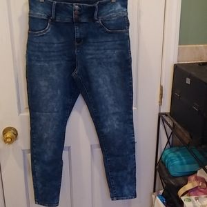 Wallflower Size 15 Jr Sassy High Rise Faded Jeans